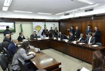 Deputados alertam para grave quadro de deterioração das estradas