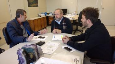 Em reunião na SES, Sossella busca liberação de recursos para hospital de Flores da Cunha