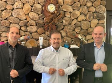 Pompeo de Mattos recebe o pré-candidato a prefeito pelo PDT de Sapiranga, Mauro Schuck