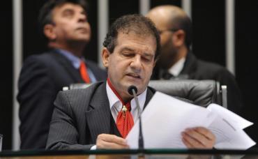 O deputado Pompeo de Mattos falou em plenário sobre a reforma política.